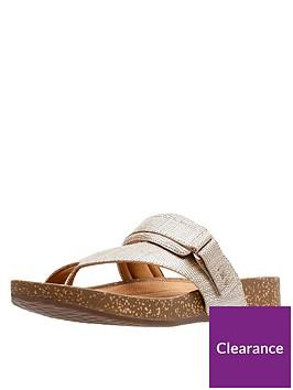 clarks-rosilla-durham-flat-toe-post-sandal-gold