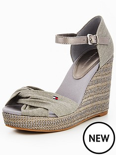 tommy-jeans-iconic-elena-metallic-canvas-wedge-sandal-light-grey