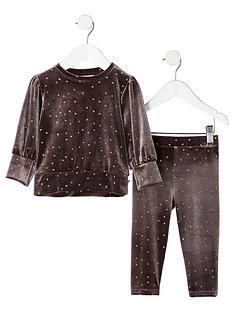 river-island-mini-girls-grey-velour-star-sweatshirt-outfit
