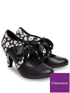 joe-browns-joe-browns-womens-ribbon-tie-shoes-with-daisy-print