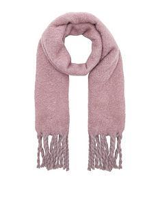accessorize-super-fluffy-scarf