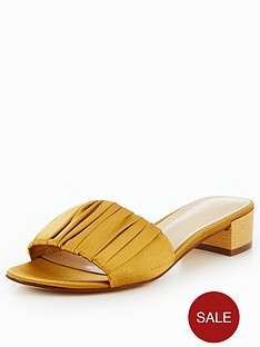 nine-west-rainese7-ruched-open-toe-mule-gold