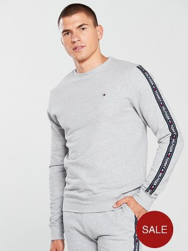 tommy-hilfiger-taped-crew-loungetop