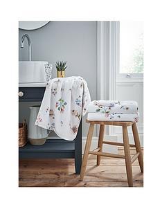 cath-kidston-scattered-pressed-flowers-bath-towel