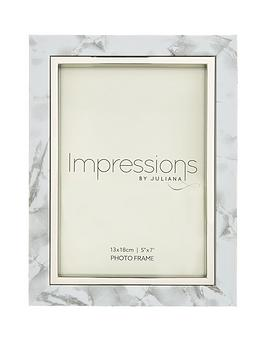 white-marble-look-photo-frame