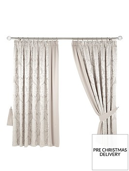 boston-pencil-pleat-curtains