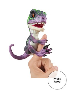fingerlings-untamed-ndash-velociraptor-dinoblaze-purple