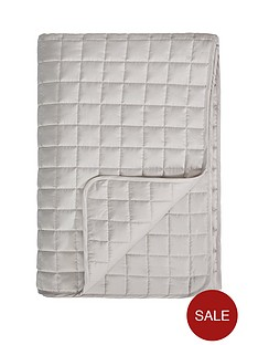 hotel-collection-luxury-quilted-bedspread