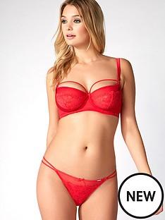 boux-avenue-lilian-thong-red