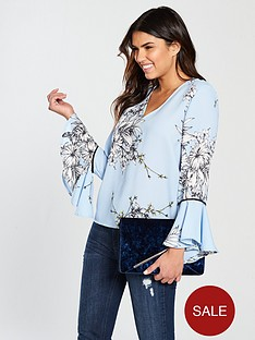vero-moda-satina-flute-sleeve-printed-v-neck-top-blue