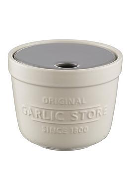 mason-cash-innovative-kitchen-garlic-store-and-grater