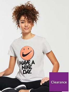 nike-sportswear-nice-day-tee-beigenbsp