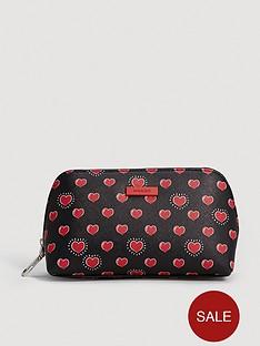 mango-heart-cosmetic-bag