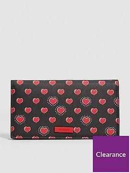 mango-heart-purse