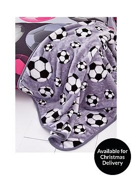catherine-lansfield-football-throw