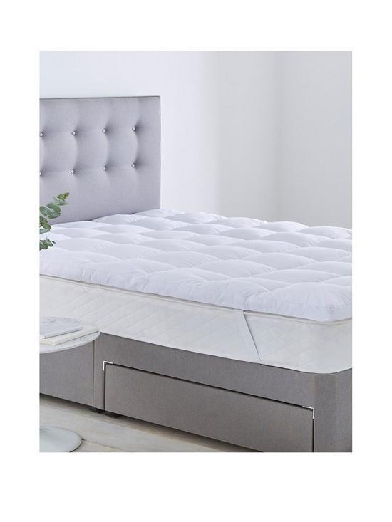 Luxury Deep Sleep Ultimate Mattress Topper by Silentnight