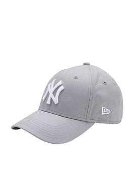 f3d30be99a9c5 New Era Youth 940 New York Yankees Cap
