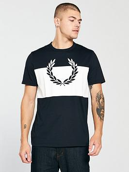 fred-perry-laurel-wreath-print-t-shirt