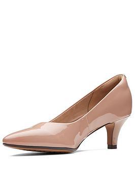clarks-linvale-jerica-mid-heel-court-shoe-nude-patent