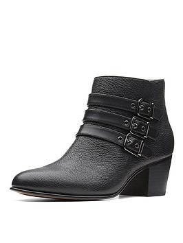 clarks-maypearl-rayna-ankle-boot-black