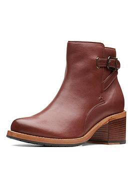 clarks-clarkdale-jaxnbspankle-boot-dark-tan