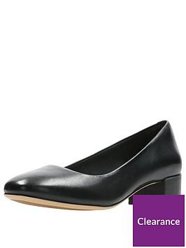 clarks-orabella-alice-low-heel-court-shoe-black
