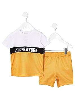 river-island-mini-boys-yellow-block-t-shirt-outfit