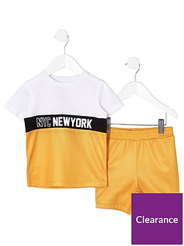 river-island-mini-boys-yellow-block-t-shirt-outfit