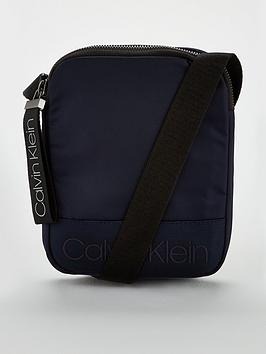 calvin-klein-ck-jeans-shadow-mini-reporter-bag