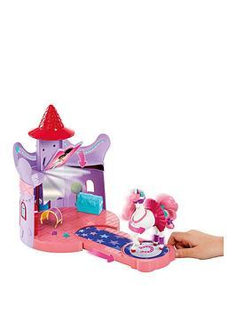 nella-the-princess-knight-nella-the-princess-knight-trinket039s-stable-playset