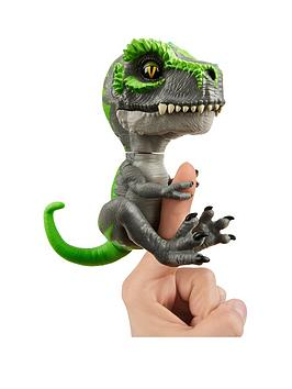 fingerlings-fingerlings-untamed-baby-t-rex-tracker