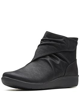 clarks-clarks-cloudsteppers-sillian-tana-ankle-boot