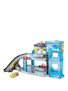 disney-cars-piston-cup-garage-playset
