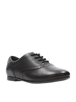clarks younger jules walk shoes - black