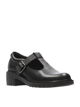 clarks-girls-frankie-street-junior-shoe-black