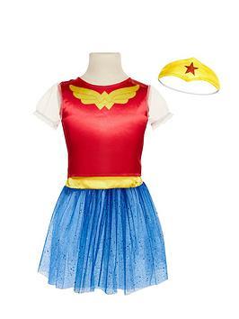 dc-super-hero-girls-dress-up-trunk