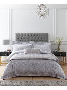 dorma-hertford-filled-cushion