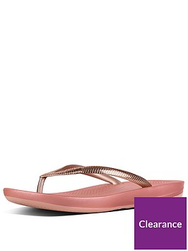 fitflop-fitflop-iqushion-ergonomic-flip-flops-mirror