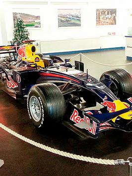 virgin-experience-days-visit-to-the-donington-grand-prix-collection