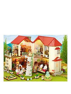sylvanian-families-beechwood-hall-gift-set