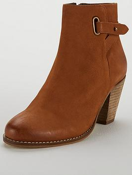 carvela-smart-zip-western-ankle-boot-tan