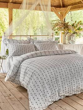 Cabbages & Roses Cabbages & Roses Julia 100% Cotton Percale Duvet Cover Picture