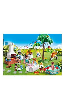 playmobil-9272-city-life-housewarming-party-with-illuminating-bunting-and-bbq