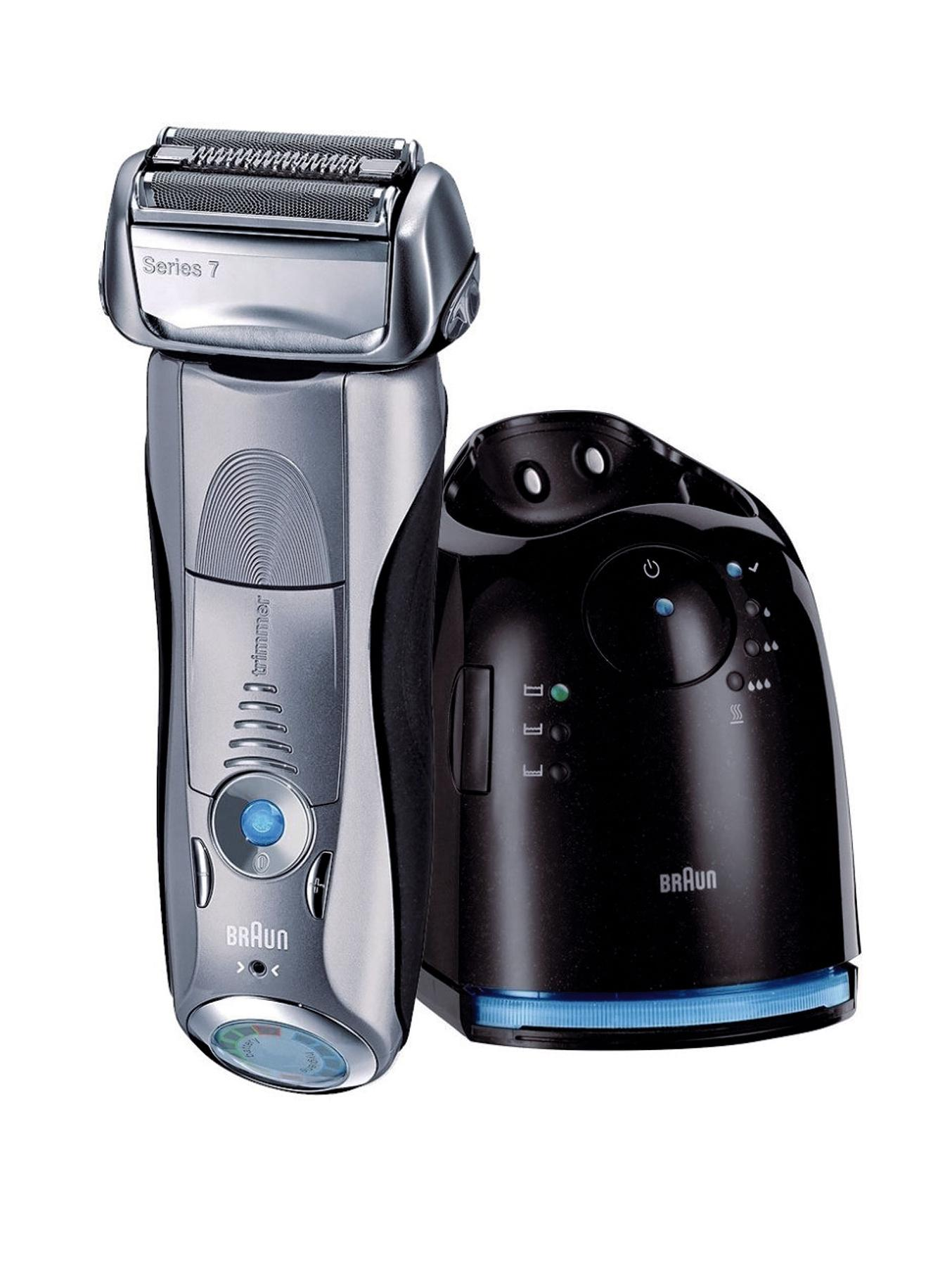 799WD Wet and Dry Shaver & FREE Lynx Gift Set*