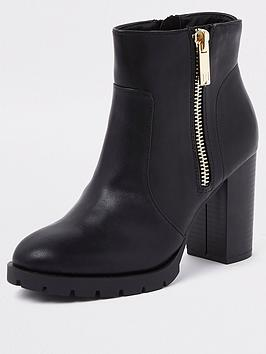 river-island-chunky-heel-side-zip-boot-black