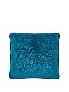 laurence-llewelyn-bowen-rialto-velvet-cushion