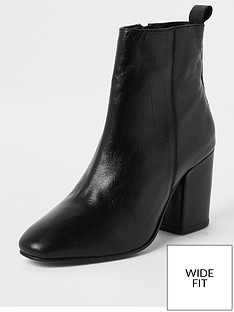 river-island-river-island-wide-fit-heeled-ankle-boot-black