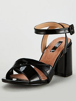 lost-ink-wide-fit-florence-twist-strap-block-sandal-black