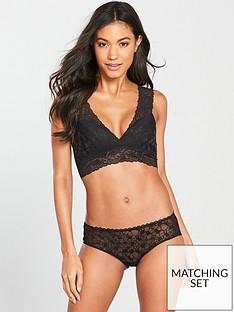 wonderbra-sexy-wire-free-plunge-bralette-black