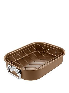 tower-cerastone-2-piece-non-stick-roaster-and-rack-set-in-gold